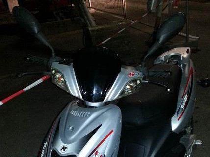 Die beiden jugendlichen Burschen wollten in Wien-Penzing ein Moped stehlen.