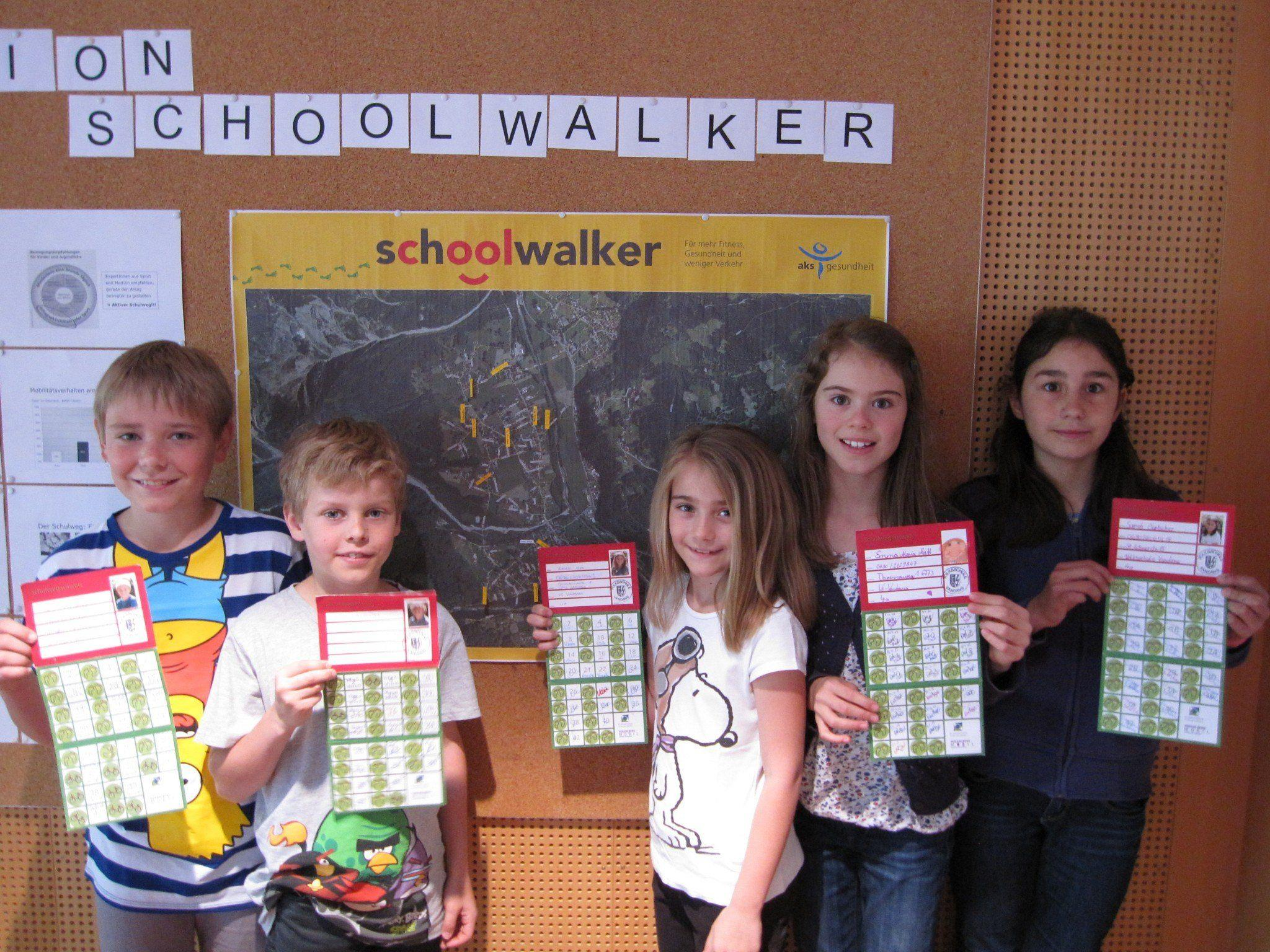 Hatten viel Spaß beim sammeln der schoolwalker-Sticker: Die Kinder der Volksschule Vandans
