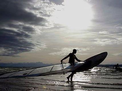 Kite-Surferin am Neusiedler See schwer verunglückt