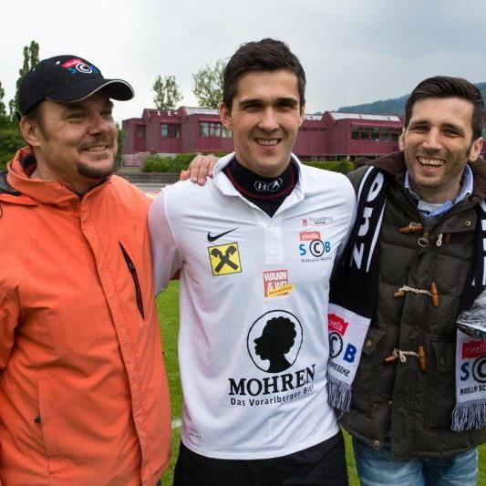 Bregenz-Sportchef Ewald Gisinger, Goalie Predi Zivanovic und Präsident Pascal Pletsch.