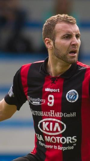 Hard-Torjäger Aleksandar Umjenovic schoss für die Hausherren das 1:0.