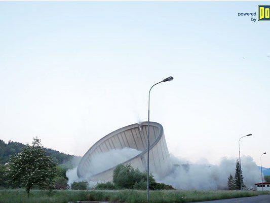 Am Mittwoch wurde der Kühlturm des Voitsberger Kohlekraftwerks abgerissen.