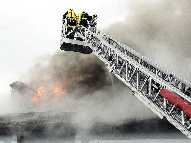 60 Feuerwehrleute waren im Löscheinatz.