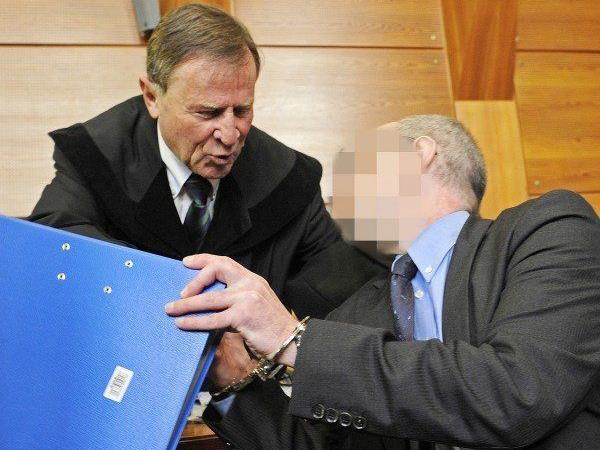 """Der Angeklagte beim """"Gold-Mord""""-Prozess"""