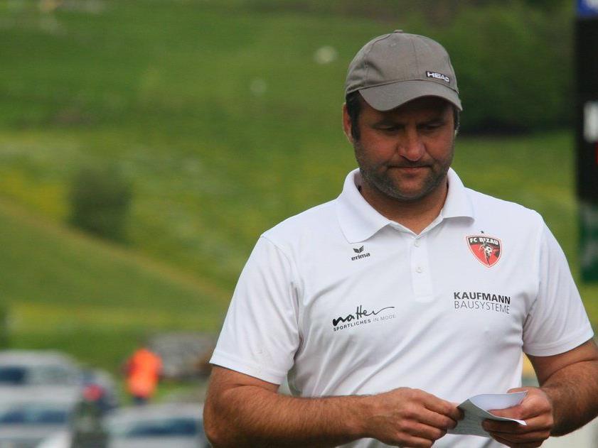 Bizau-Cotrainer Alex Schwärzler hofft im Heimspiel gegen Viktoria auf drei Punkte.