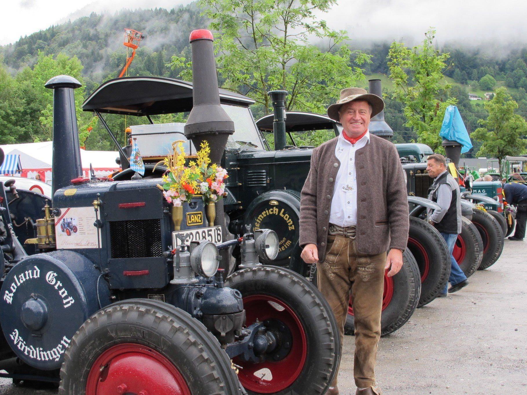 Die Besitzer waren sehr stolz auf ihre Traktoren.