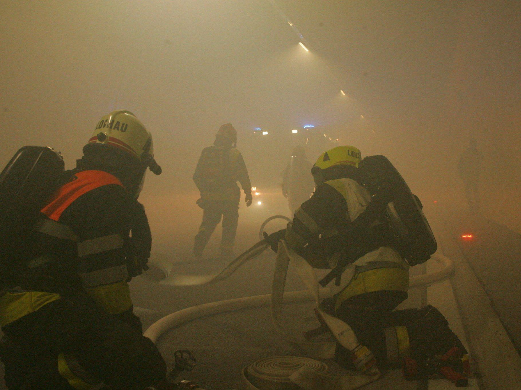 Die Übungsleitung machte es den Rettungskräften nicht unbedingt leicht.