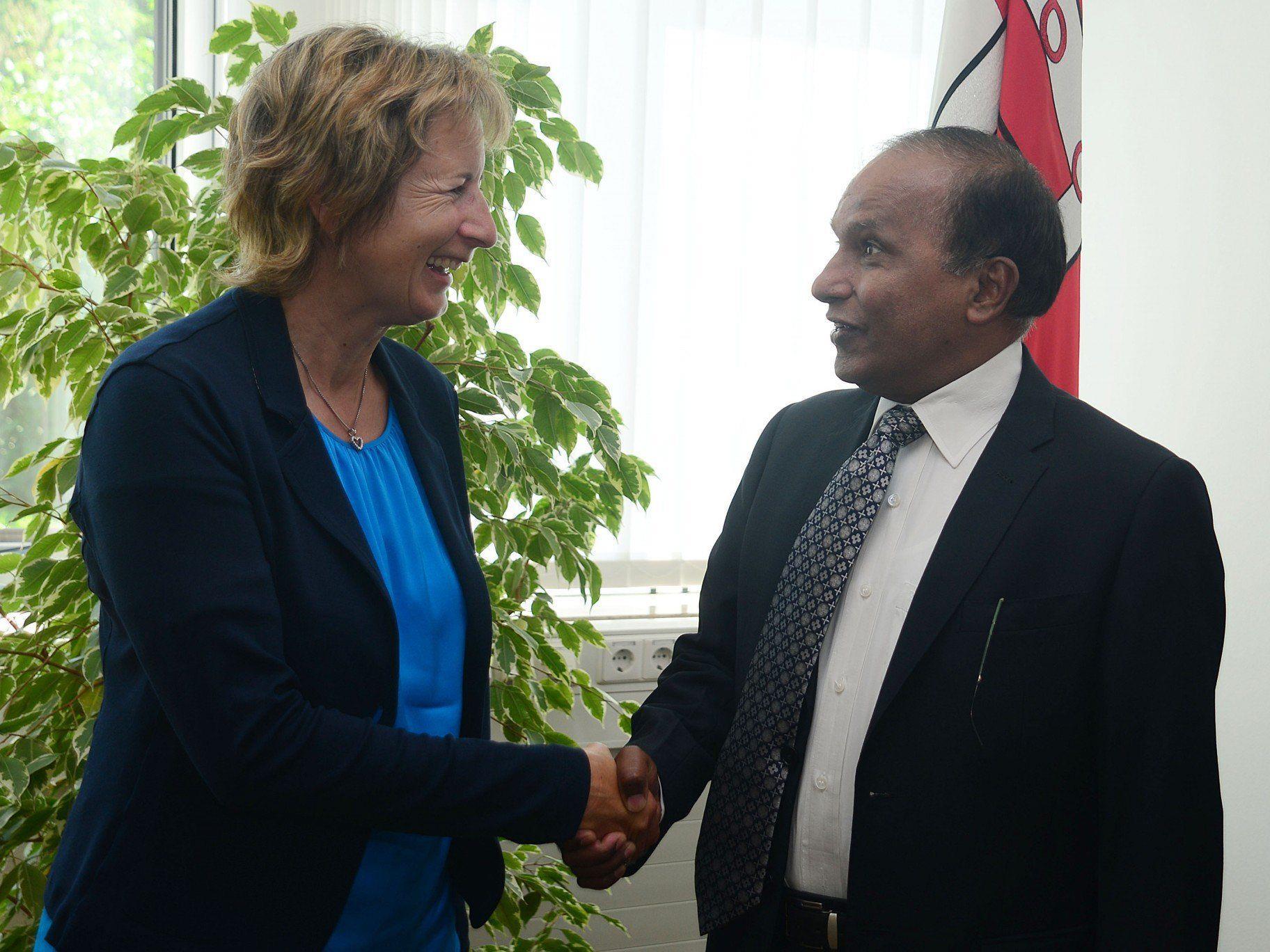 Swaminathan Ramachandran: Informationsaustausch mit Landtagspräsidentin Gabriele Nußbaumer.