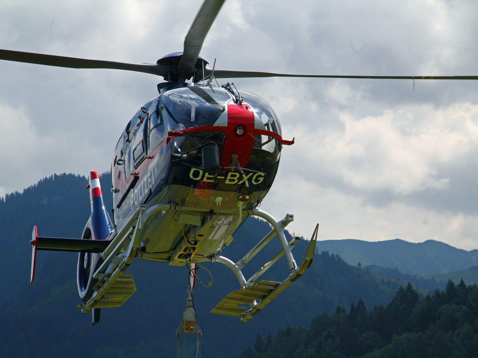 Vorarlberger auf Altschneefeld in Mellau ausgerutscht und abgestürzt.