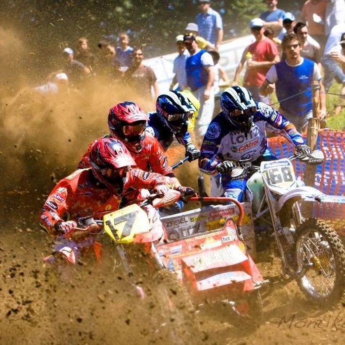 Die Beiwagenrennen sind der Höhepunkt der Motocross Veranstaltung am St. Corneli in Tosters.