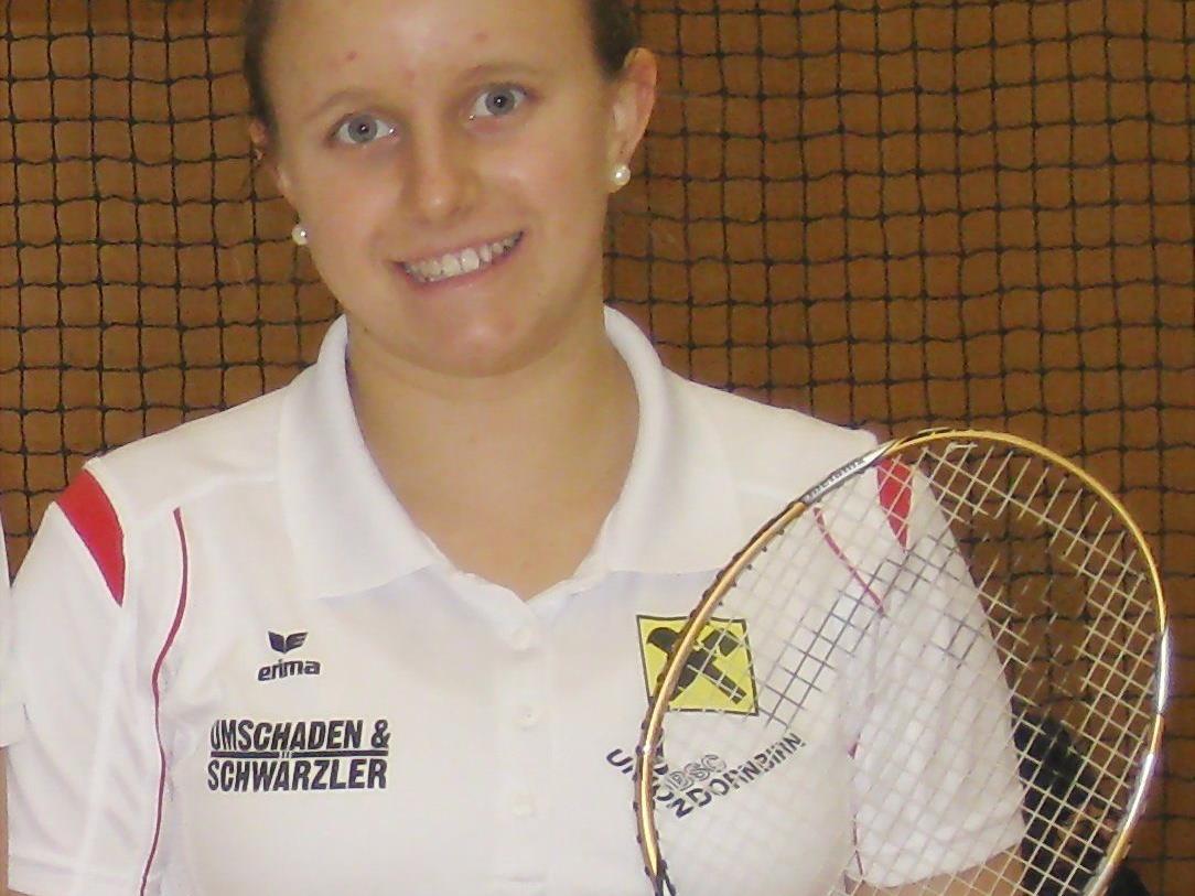 Die Dornbirnerin Nicole Bertsch holt sich den Turniersieg auf den Bermudas.