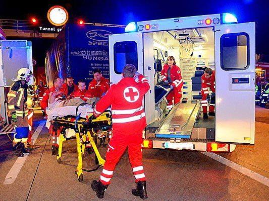 Rettungs-Einsatz nach Unfall auf der S1
