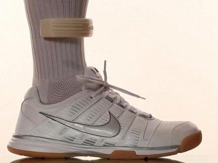 Smarte Socke: Ein angebrachter Sensor analysiert Bewegungsdaten.