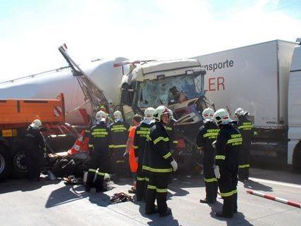 Am Montagmorgen ereignete sich in Niederösterreich ein schwerer Lkw-Unfall.