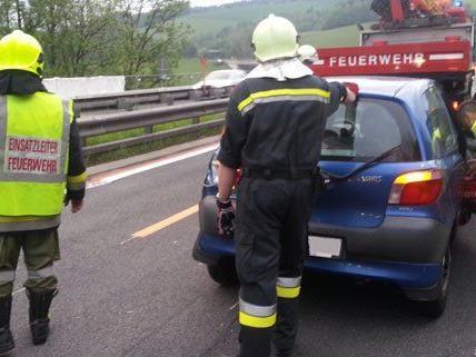 Am Sonntagmorgen ist es auf der A2 zu zwei Unfällen gekommen.
