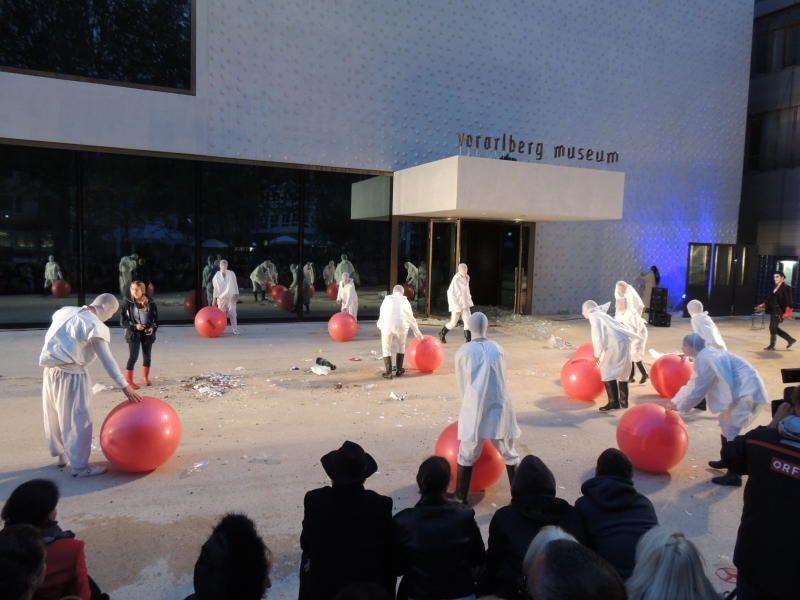 m Rande der Theateraufführung kam es in Bregenz zu unschönen Szenen