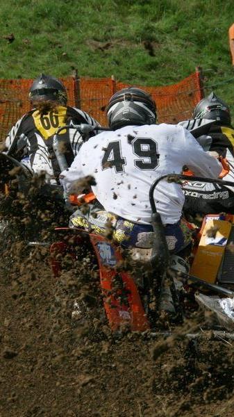 Die Beiwagenrennen sind traditionell der Höhepunkt beim Motocross in Tosters.