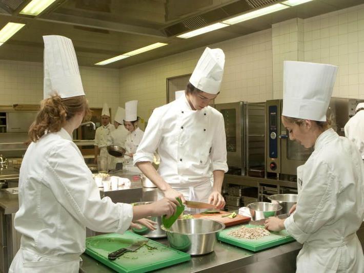 Die Tourismusstrategie baut vor allem auf begeisterten Berufsnachwuchs, wie hier in der Tourismusschule Bludenz.
