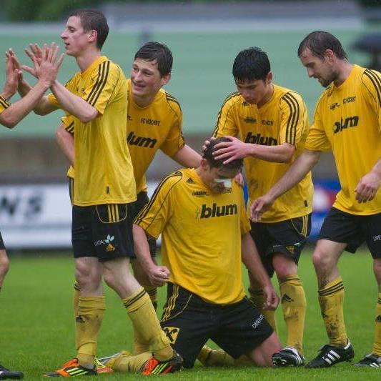 FC Höchst jubelt über den VL-Meistertitel und die Rückkehr in die Regionalliga West.