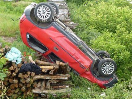 Lenker verliert Kontrolle über sein Fahrzeug
