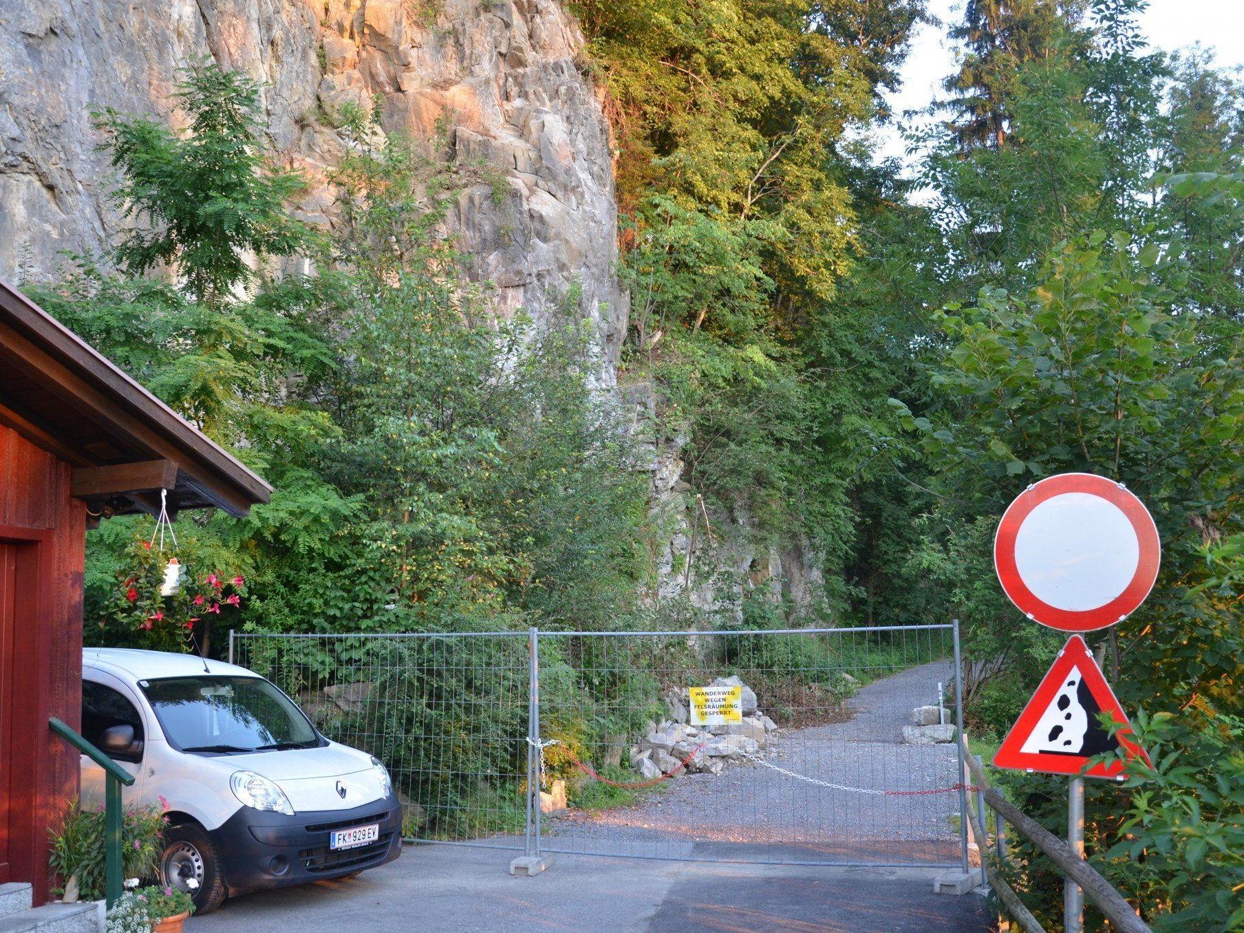Der Wanderweg Richtung Schießstand ist wegen Steinschlag komplett gesperrt.