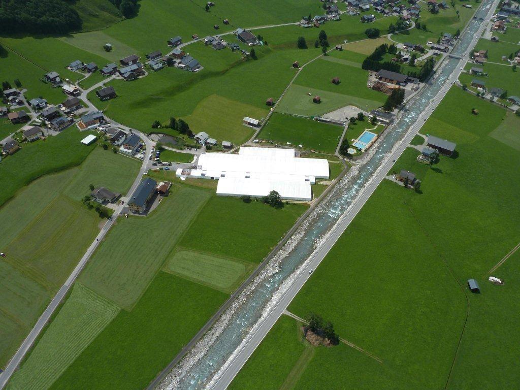 Ein Riesen-Zelt für das größte Musikspektakel des Landes in Au.