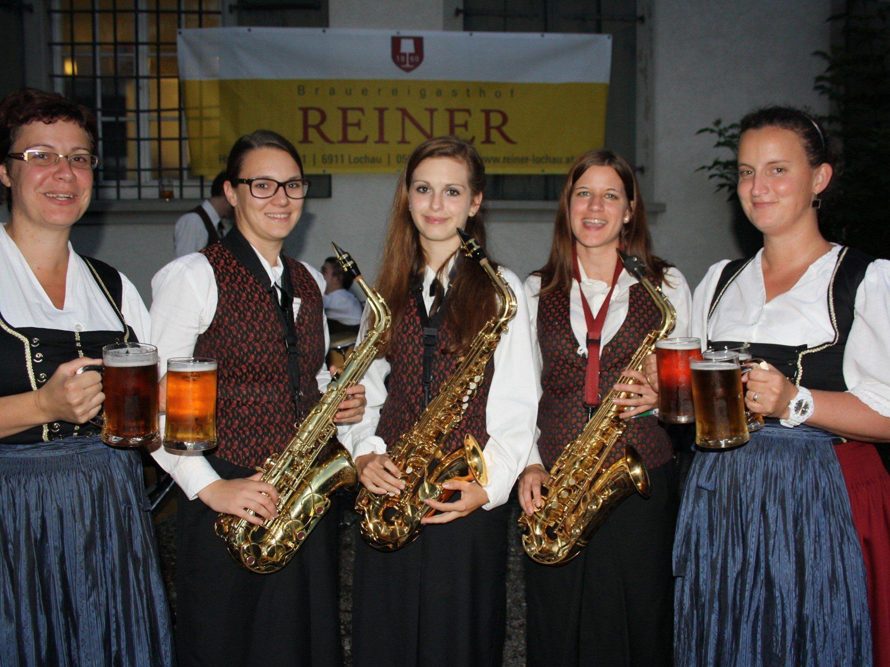 """Erfolgreicher Dämmerschoppen mit dem Musikverein Lochau auf der """"Reiner""""-Festwiese."""