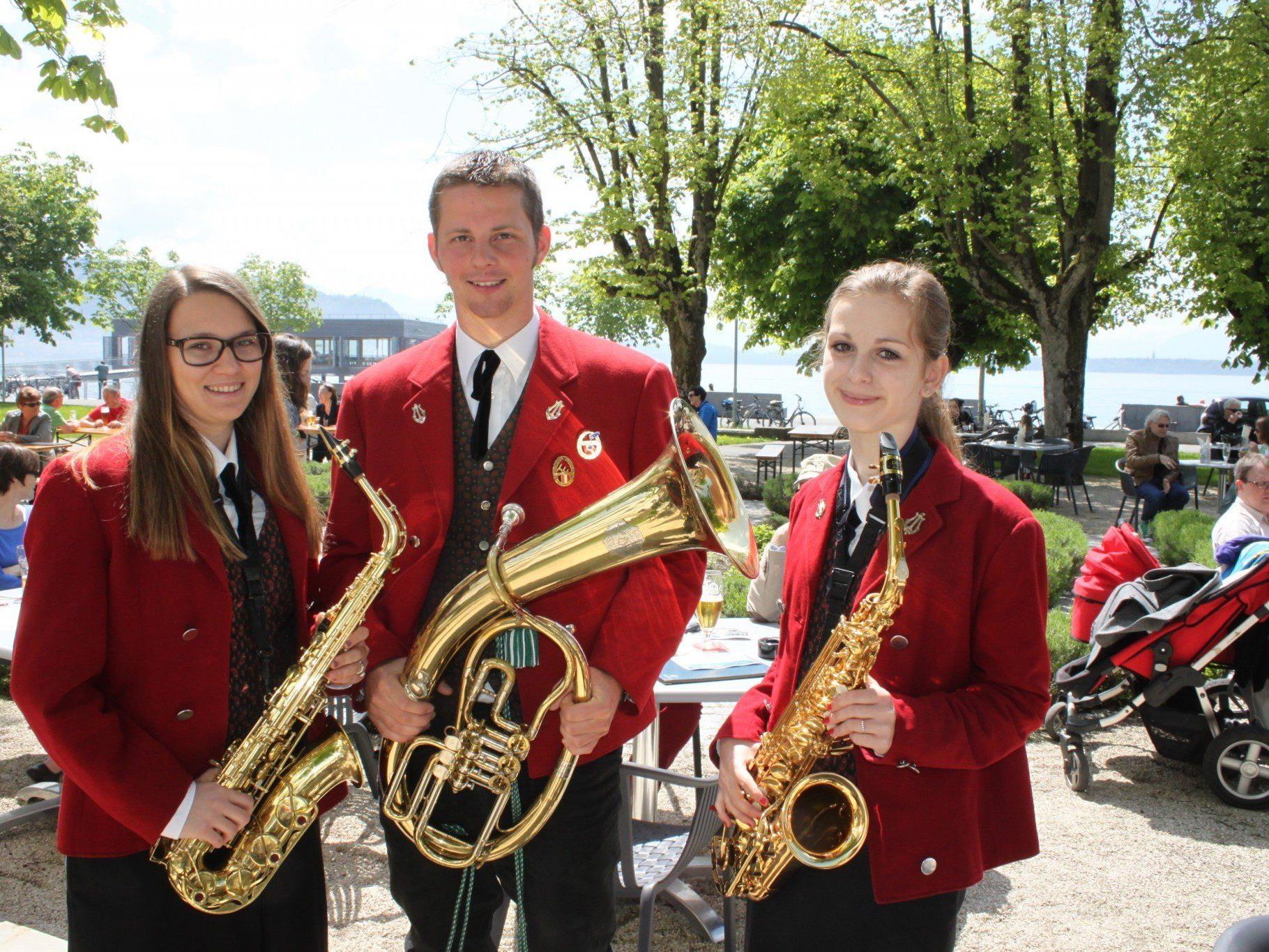 Am Sonntag Blasmusikfrühschoppen mit dem Musikverein Lochau im Gastgarten des Seehotels am Lochauer Kaiserstrand.
