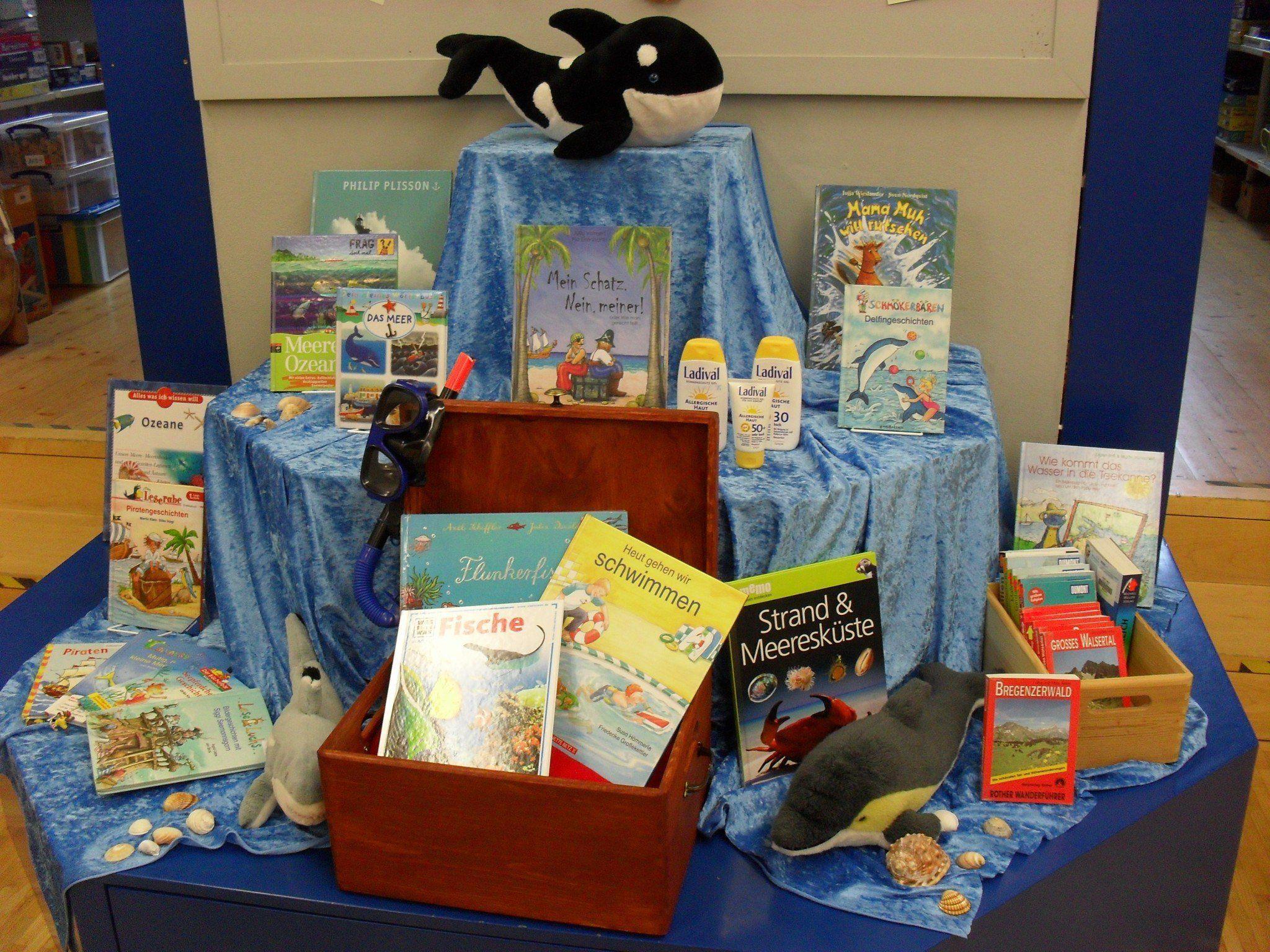 In der Bibliothek stehen tolle Bücher für die Ferienzeit bereit!
