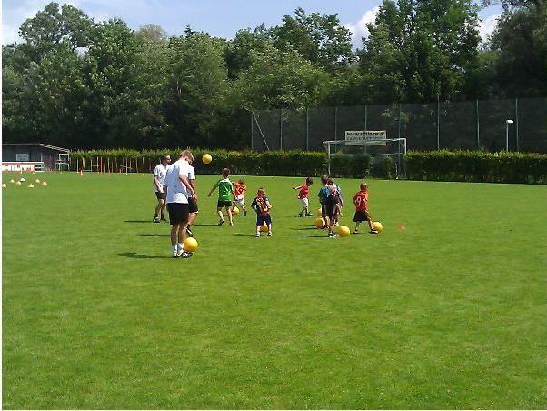 Zum Schulende veranstaltete der SV Frastanz einen Schnuppertag für fußballinteressierte Kids.