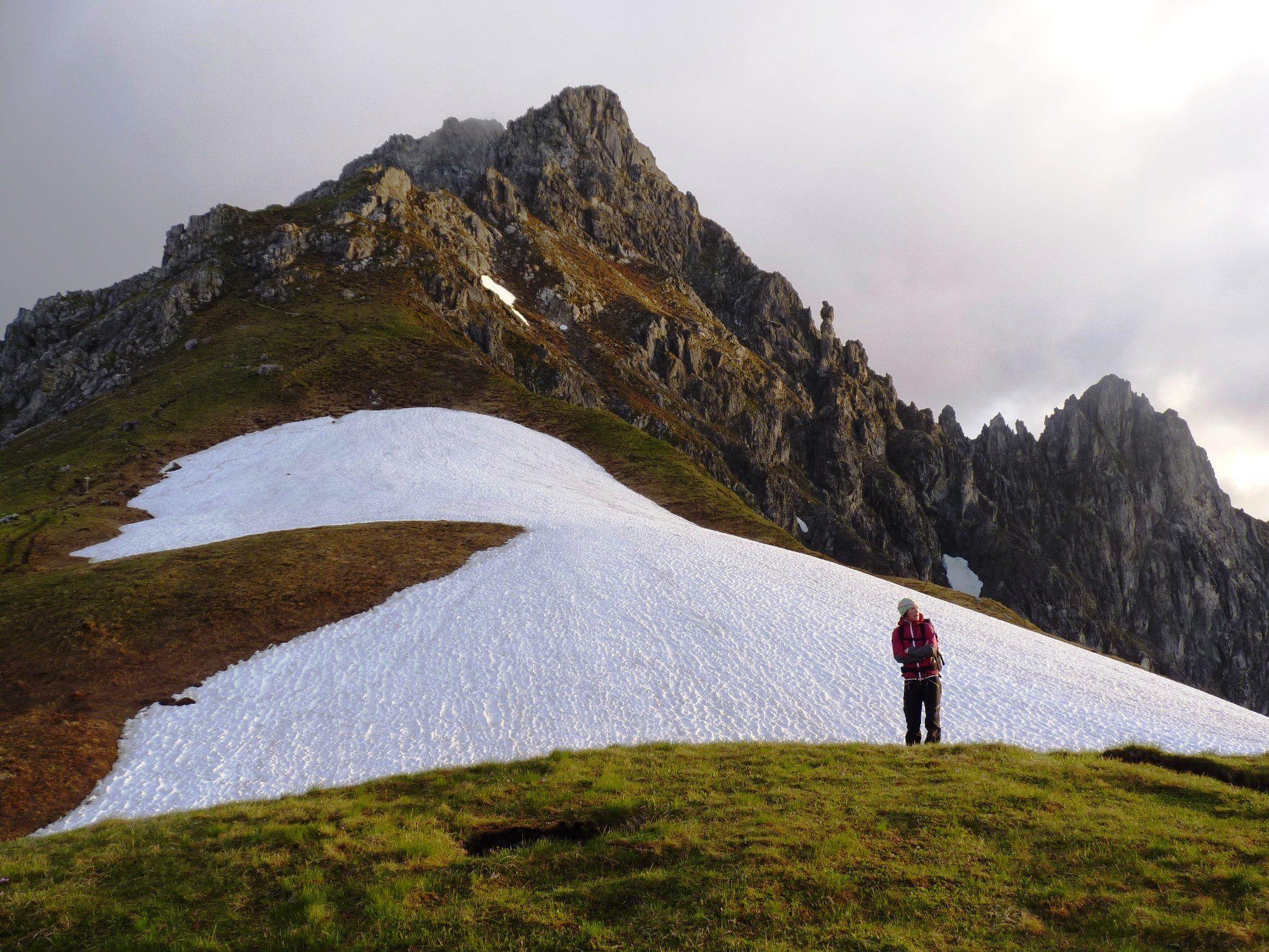 Die Tücke solcher Schneefelder wird von Wanderern allerdings sehr oft unterschätzt.