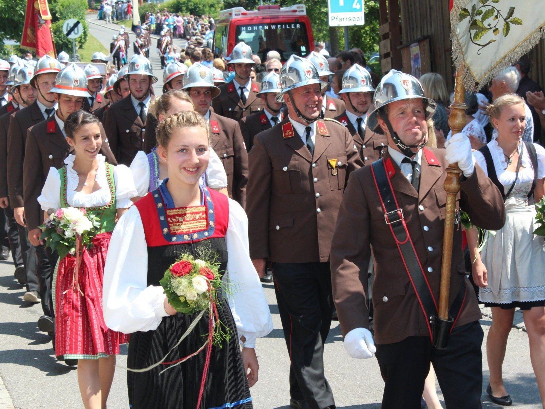 Festumzug bei Kaiserwetter durchs Bildsteiner Dorf.