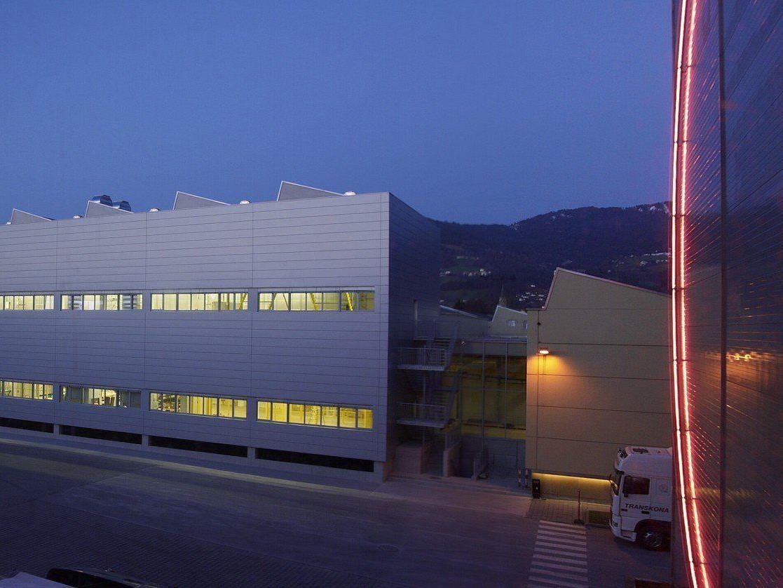 "Zumtobel-Gruppe übernimmt gesamte Anteile an Joint Venture ""LEDON OLED"""