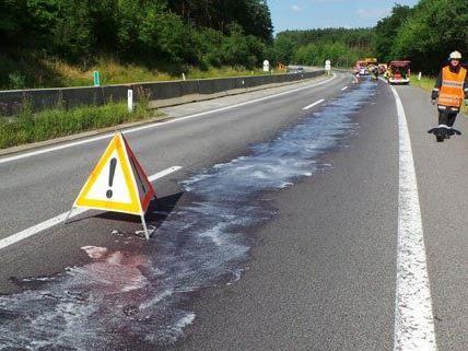 Am Montag ist Hydrauliköl auf der S6 ausgetreten.