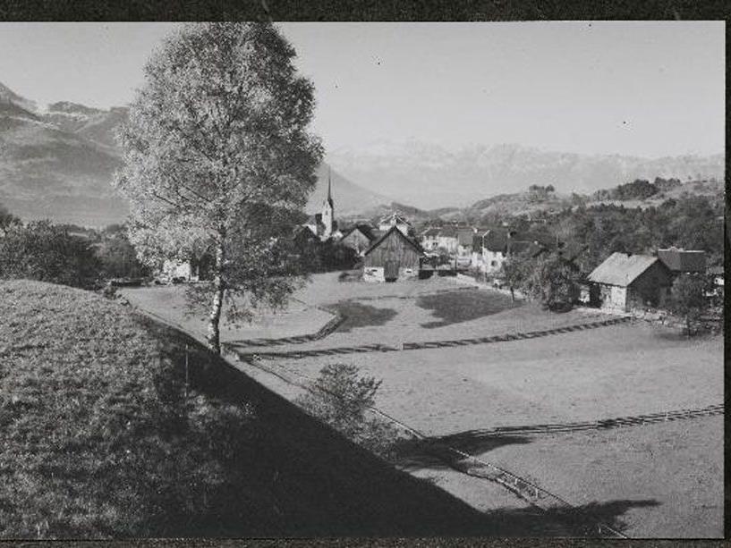 Schnifis im Jahr 1956.