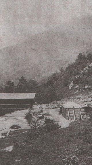 Silbertal um 1890 mit alter Kirche, eingesendet von Mirjam Pachole-Fleisch.