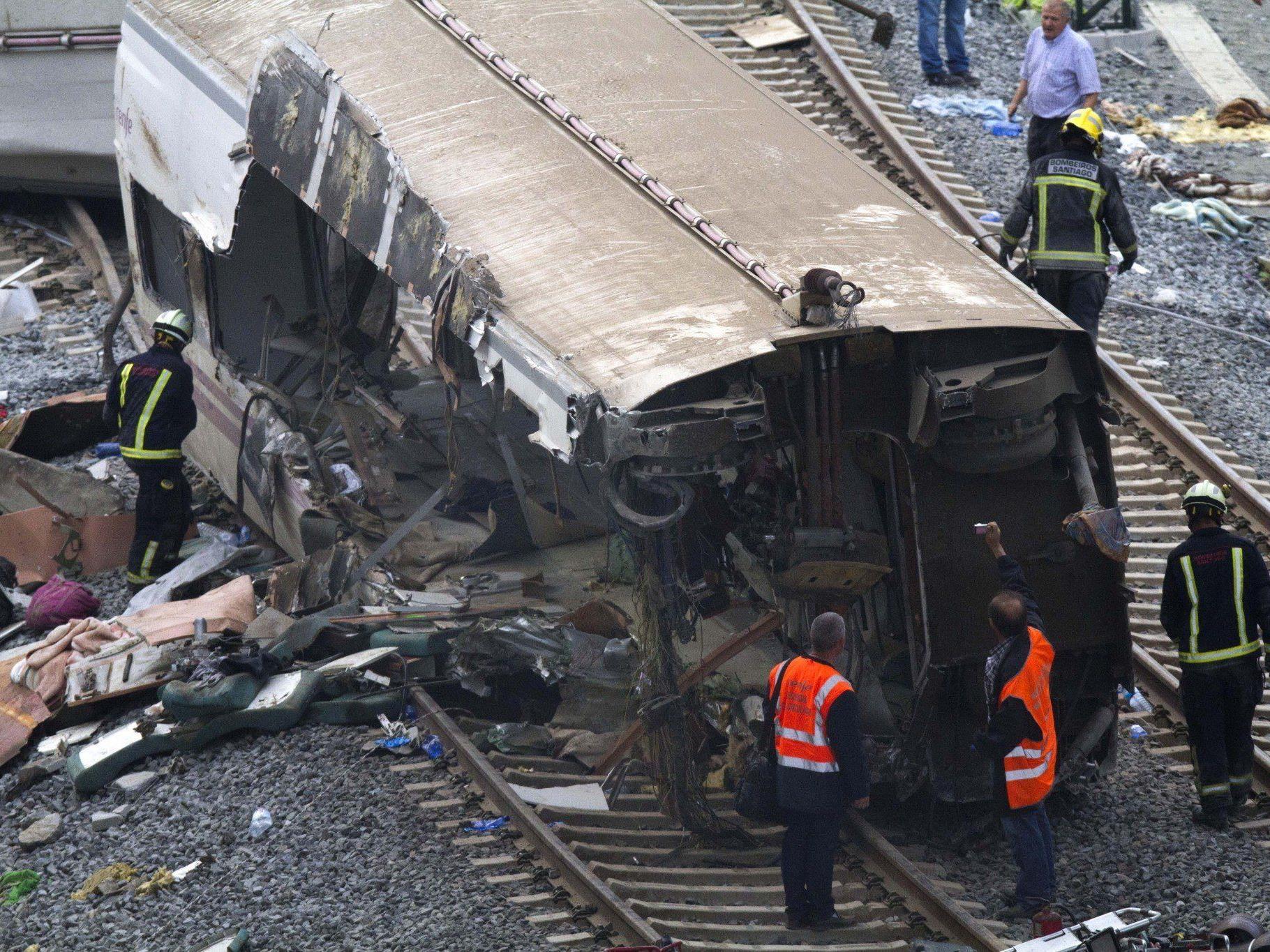 Ein verheerendes Zugunglück hat am Mittwochabend in der Pilger-Metropole 77 Menschen in den Tod gerissen.