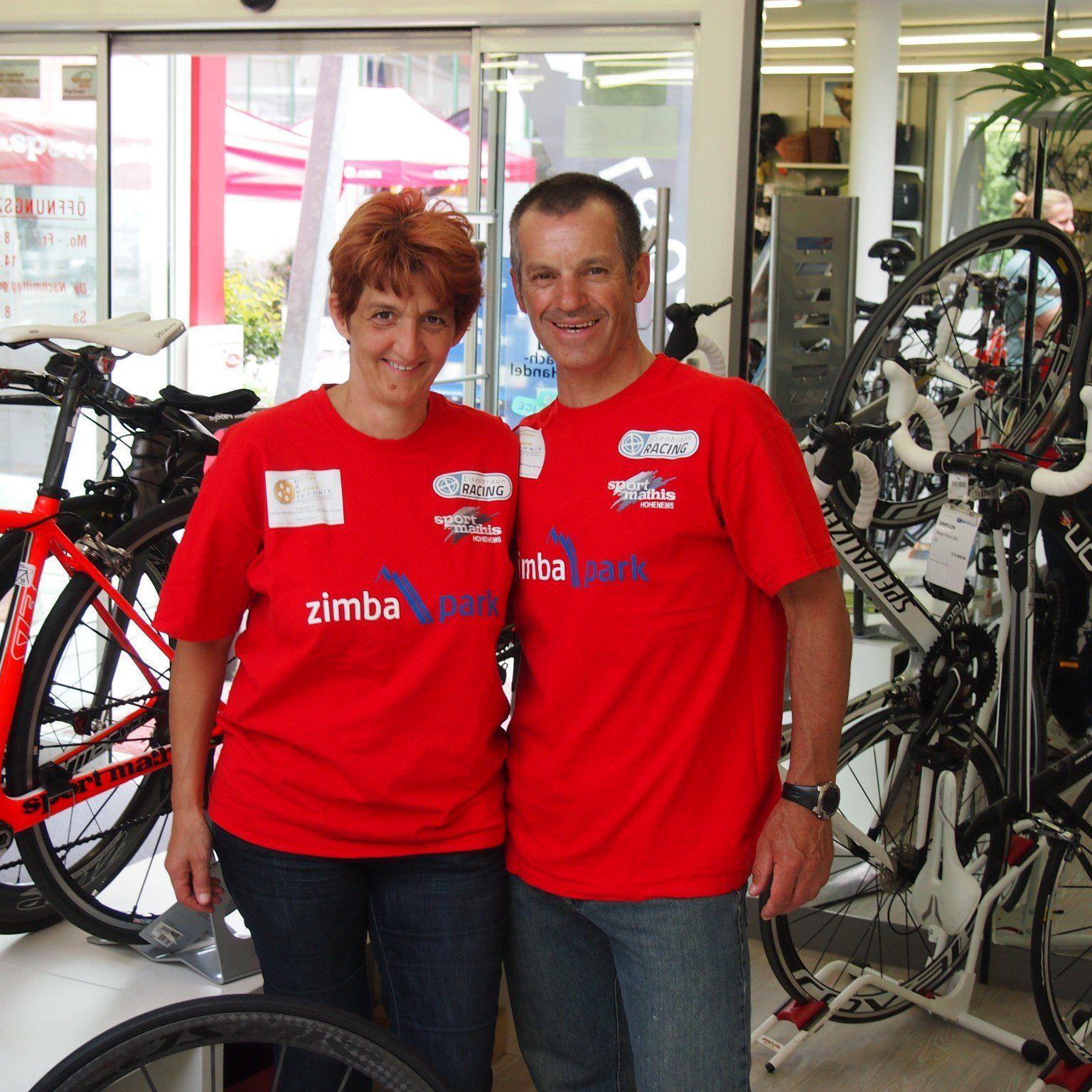 Extrem-Radsportler Hans Eisenbraun mit Sponsor Horst Mathis.