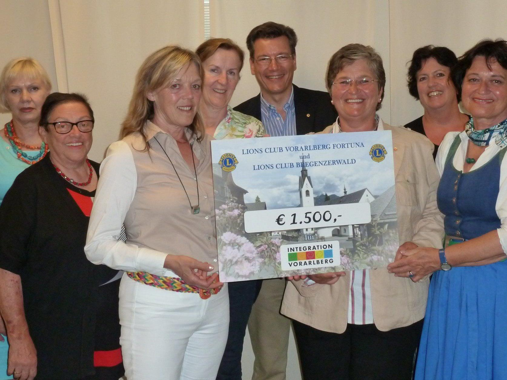 Stattliche Spendensumme von 1500,-- ergeht an den Integrationsverein Vorarlberg