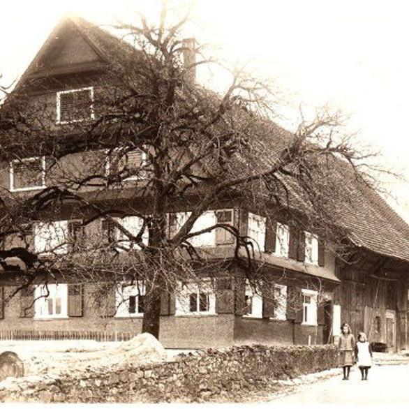 Halbeisenhaus im Jahr 1927, eines der ältesten Häuser von Weiler. Eingesendet von Norbert Halbeisen.