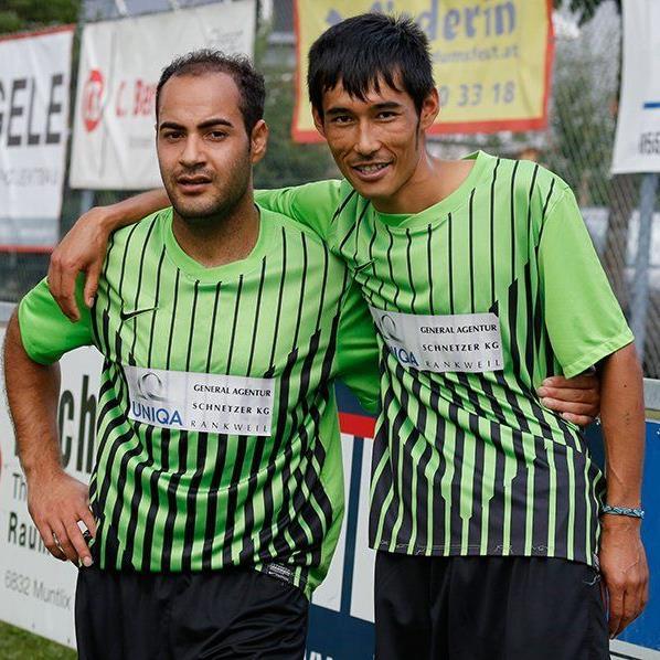 Die beiden Asylanten aus Afghanistan Liagat und Razi spielten erstmals für den FC Sulz.