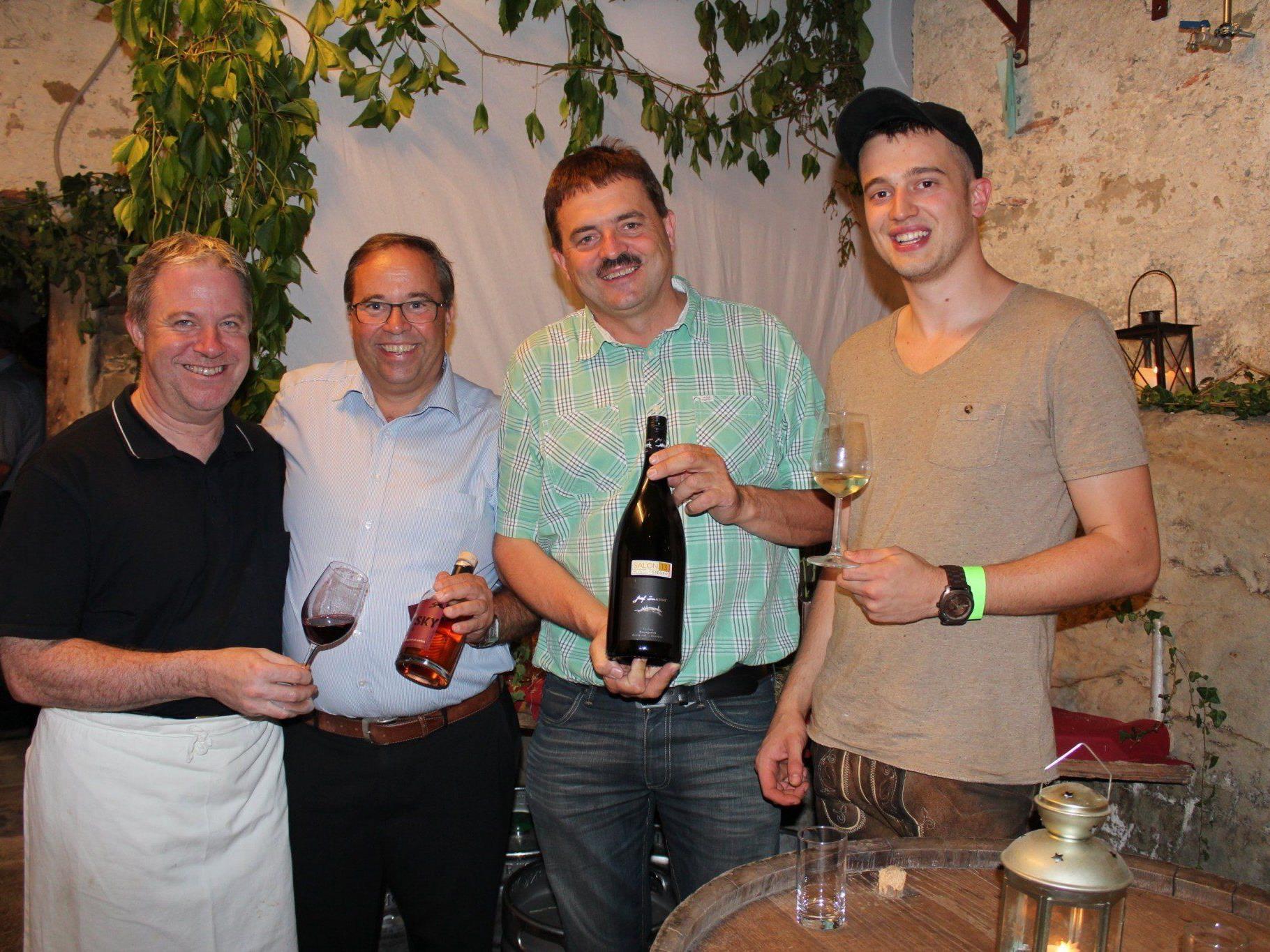 Hanspeter Tauber, Walter Pfanner, Winzer Josef Dockner und Jürgen Netzer