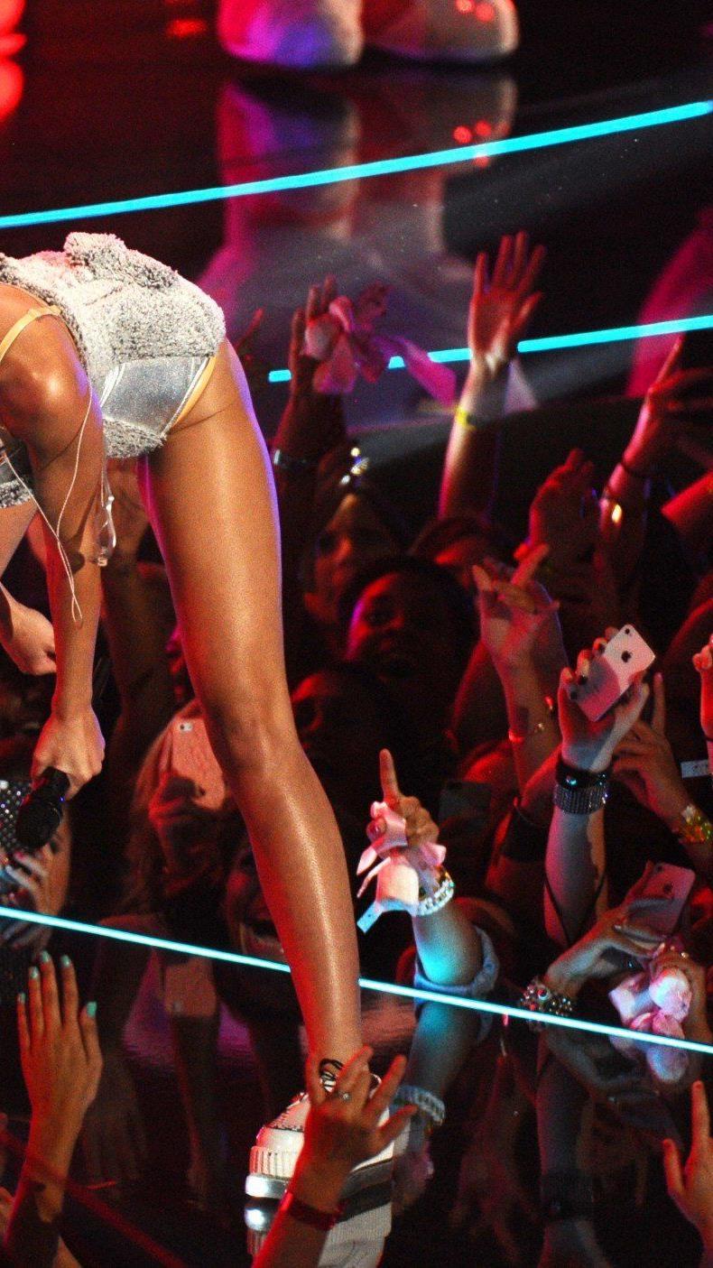 Billy Ray Cyrus sagt, dass Miley immer sein Mädchen bleiben wird.