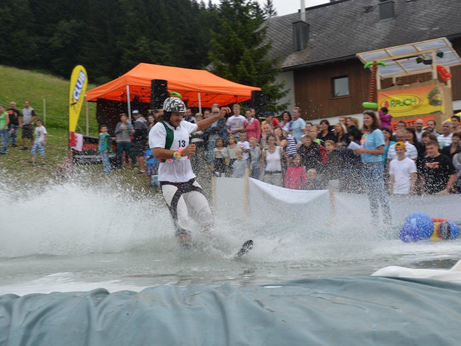 Heisse Fights um jeden Millimeter Weite beim Waterslide Festival in Furx.