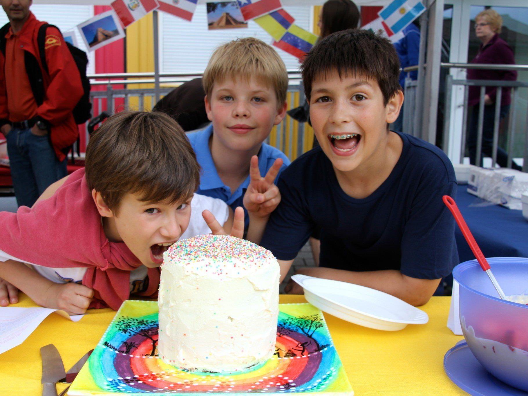 Diese drei Schüler freuten sich ganz besonders auf den Schulbeginn und neue Klassenkameraden