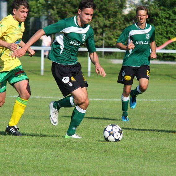 Julian Schelling erzielte zwei Tore beim 6:0-Auswärtssieg in Hohenems.