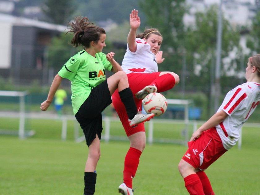 Die Frauenmannschaft des DSV schoss gegen Andelsbuch neun Tore und steht im Viertelfinale.
