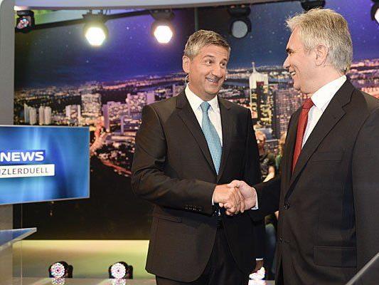 Werner Faymann (r./SPÖ) und Michael Spindelegger (ÖVP) vor der TV-Konfrontation zur NR-Wahl 2013