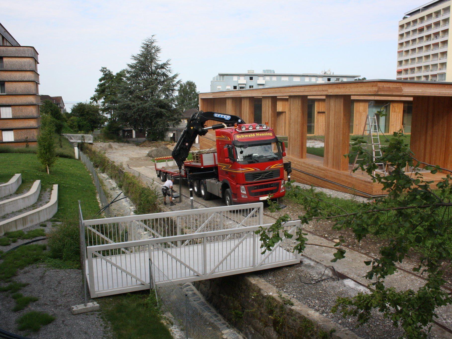 Brücken über den Klausmühlebach als neue Fuß- und Radwegverbindungen von der Klausmühle ins Wohngebiet Seeschanze.