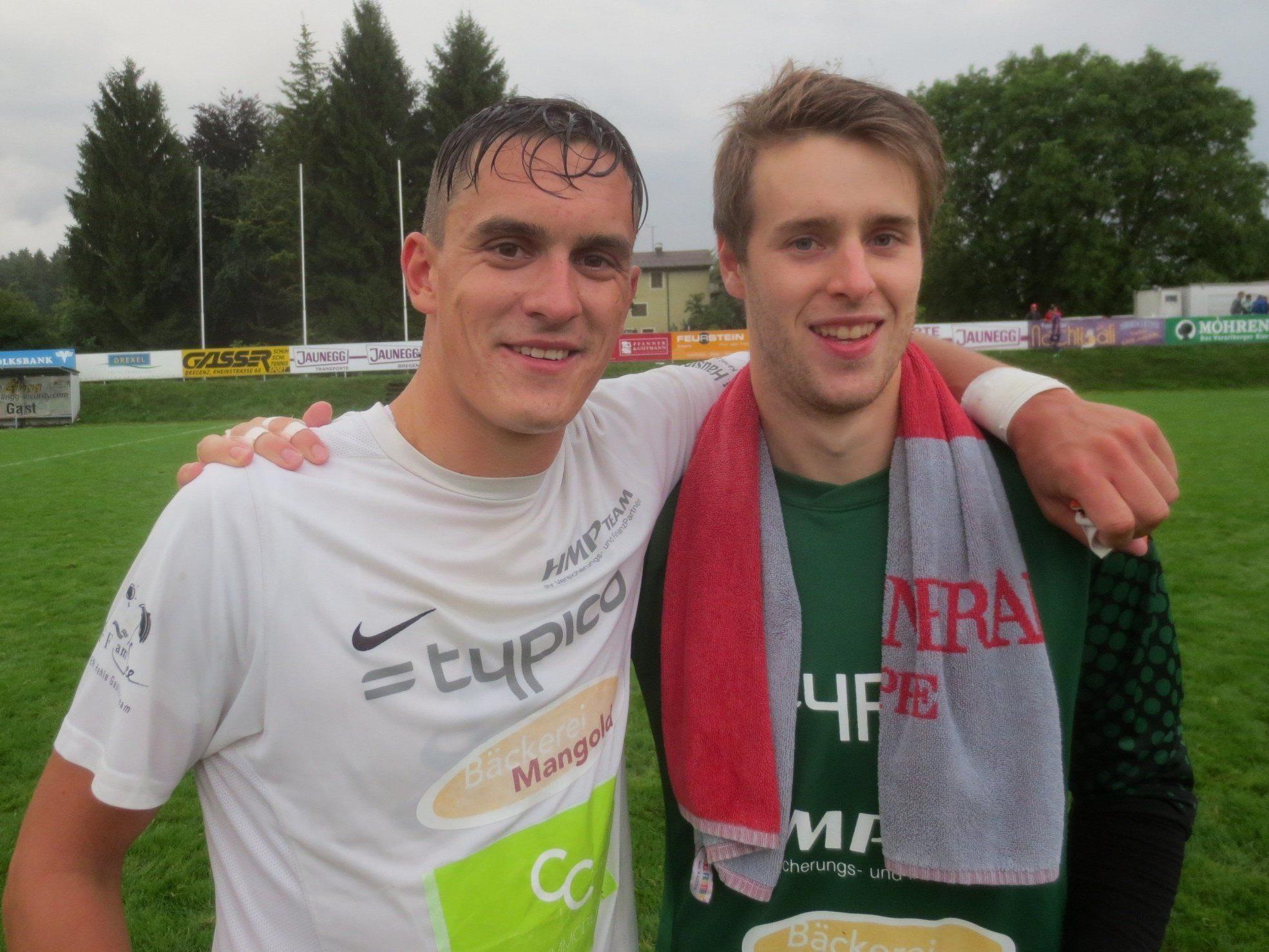 """Goldtorschütze Ricardo Jacobi und Super-Tormann Lukas Holzner waren die """"Helden"""" in einer stark aufgestellten Mannschaft."""
